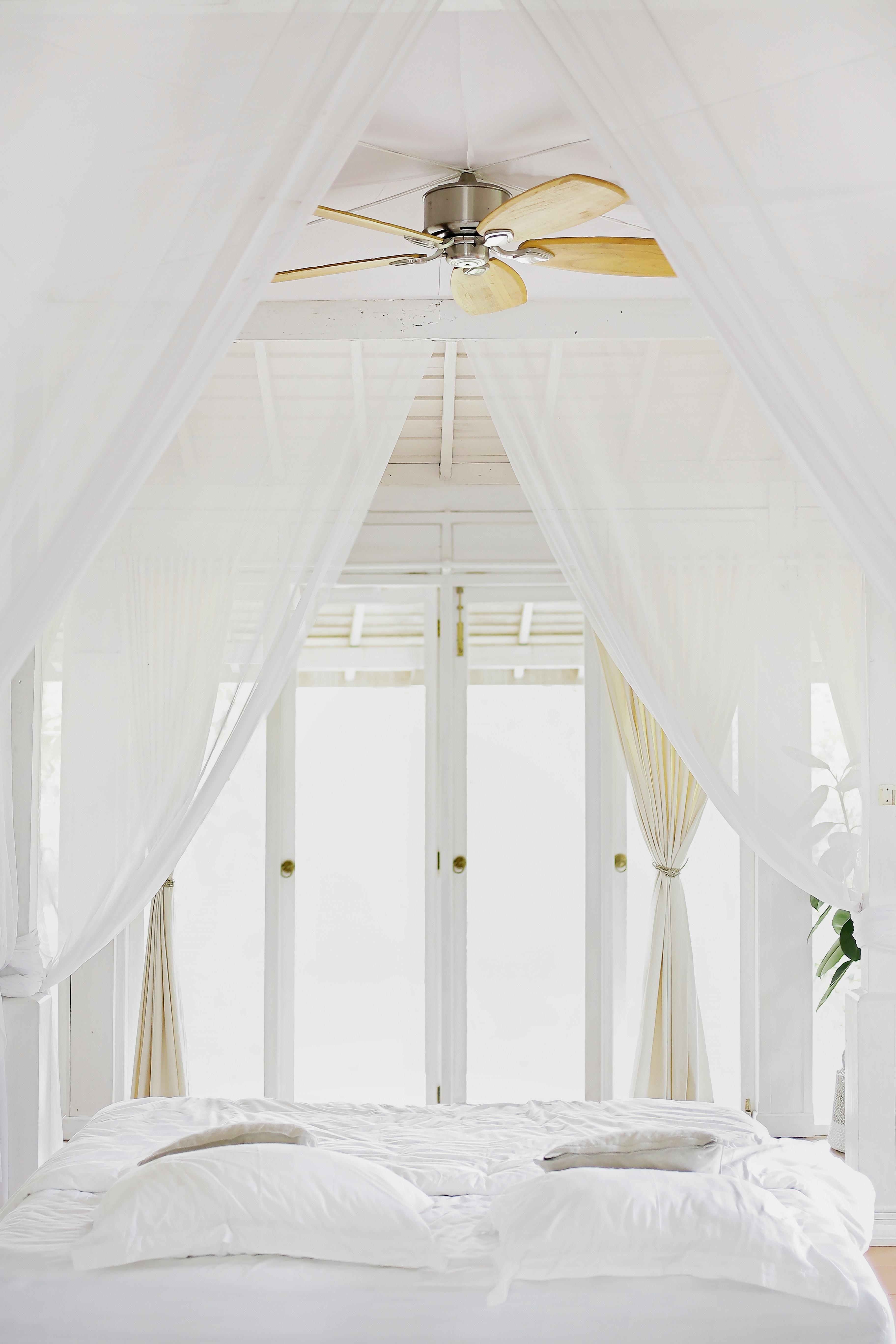 slaapkamer romantisch hemelbed